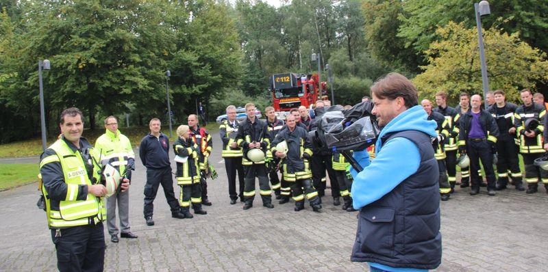 An der Schlussbesprechung durfte auch die Presse teilnehmen, wie man am WDR-Kameramann sehen kann.